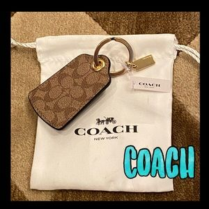 🔥NWT🔥COACH signature key ring/bag charm